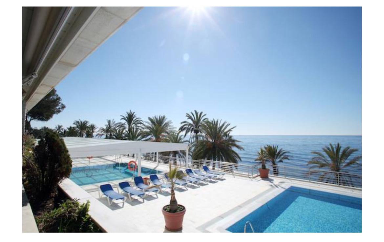 2 Bed, 2 Bathroom, Front Line. Marbella